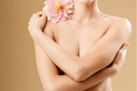 Lưu ý nghỉ ngơi và không mặc áo ngực sau phẫu thuật nâng ngực