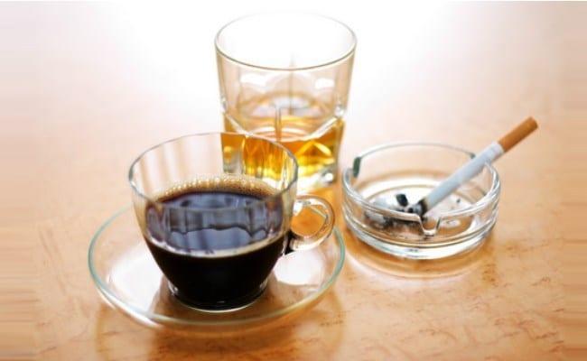Không uống các loại đồ uống chứa cafein, thuốc lá, rượu bia
