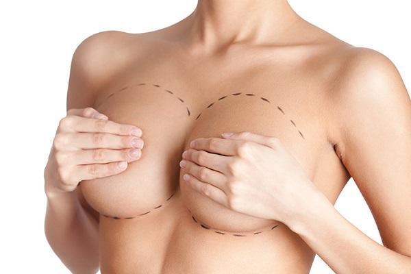 [Góc giải đáp] Nâng ngực có đau không?