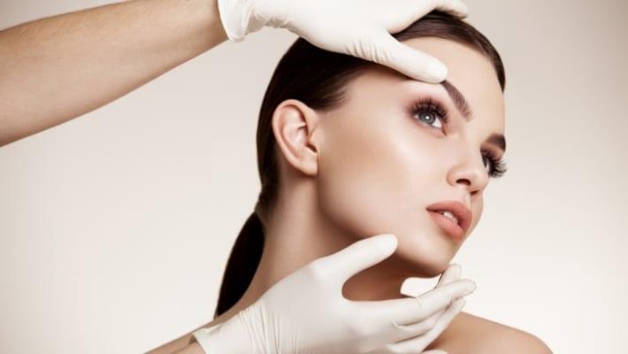 Độn thái dương là phương pháp phẫu thuật làm đẹp cho vùng thái dương đầy đặn phúc hậu.