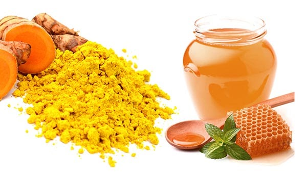 Nghệ và mật ong là một cách trẻ hóa vùng kín tại nhà
