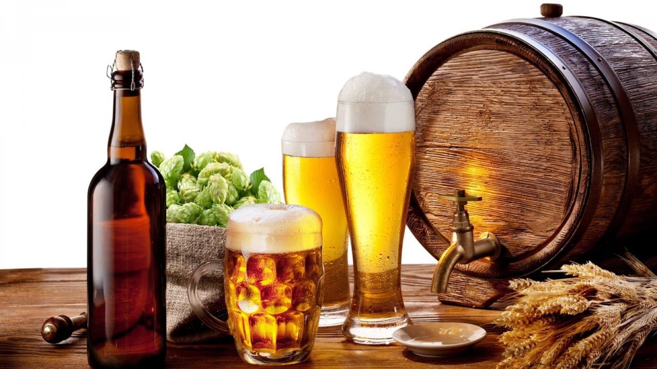 Người bệnh nên hạn chế sử dụng các thực phẩm, đồ uống chứa nhiều chất kích thích
