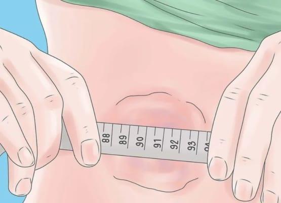 Bệnh u mỡ ban đầu thường xuất hiện ở dạng cục bướu tròn, mềm và không gây đau