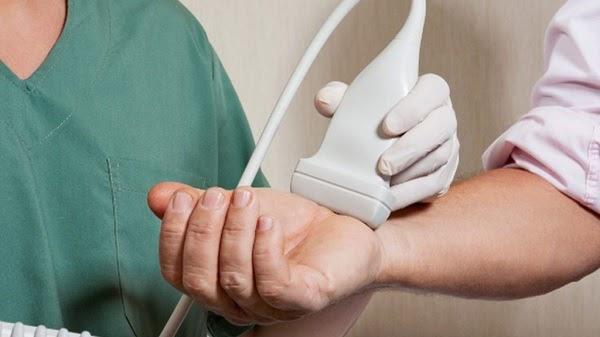 Khi khối u phát triển với kích thước lớn sẽ gây ra một số biến chứng nguy hiểm