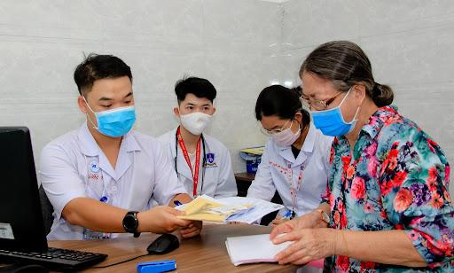 Thời gian làm việc của bệnh viện sẽ diễn ra từ thứ 2 đến 7 theo giờ hành chính.